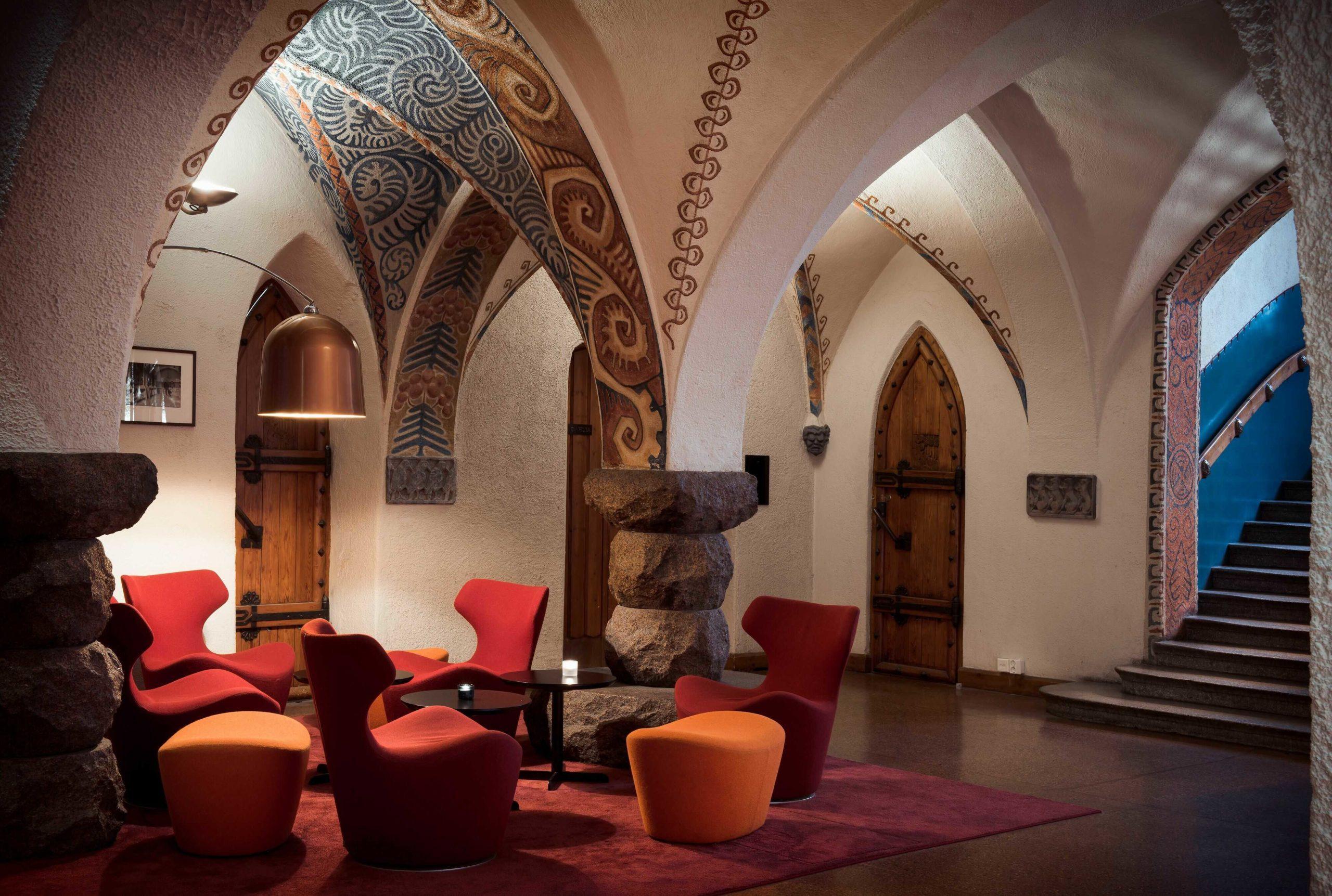 GLO Hotel Artin majesteettinen aula. Kuva: GLO Hotel Art.