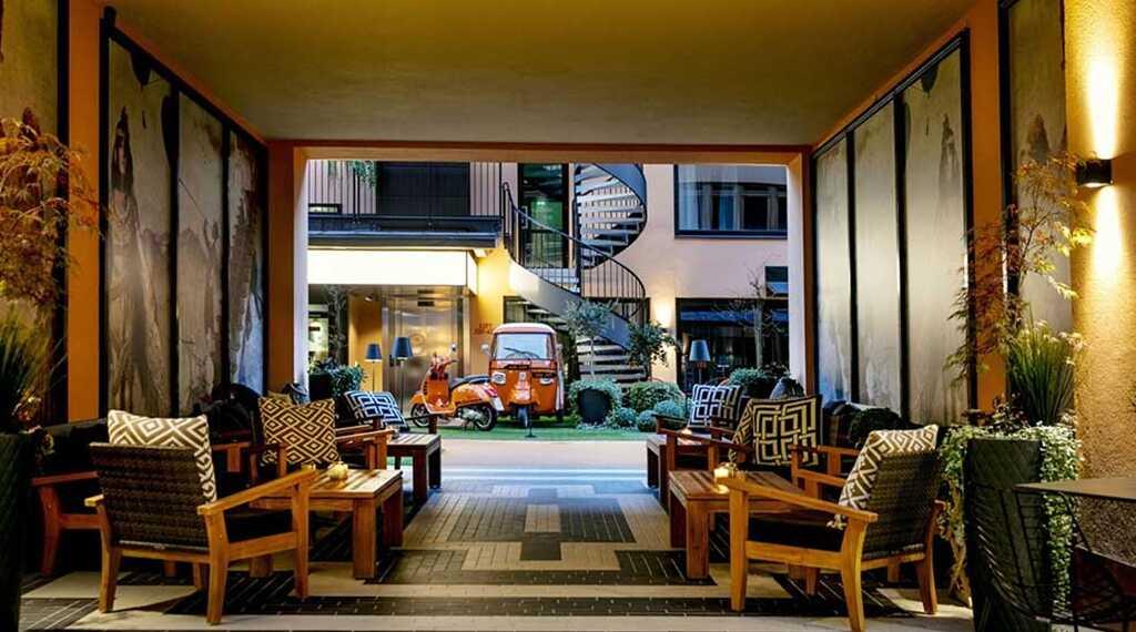 F6 Hotellin upea sisäpiha. Kuva: Nordic Choice Hotels.
